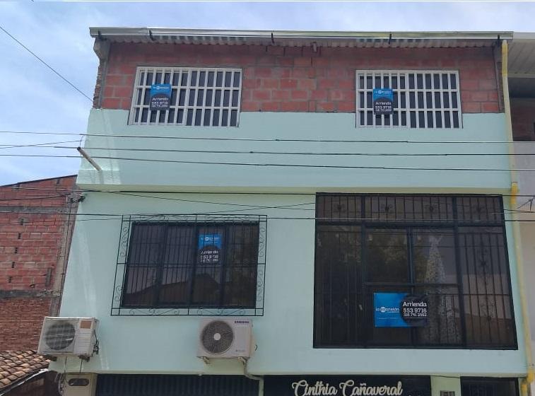 Apartaestudio con ubicacion central barrio Angel Maria Camacho