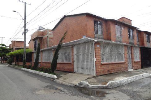casa esquinera barrio cantabria en venta