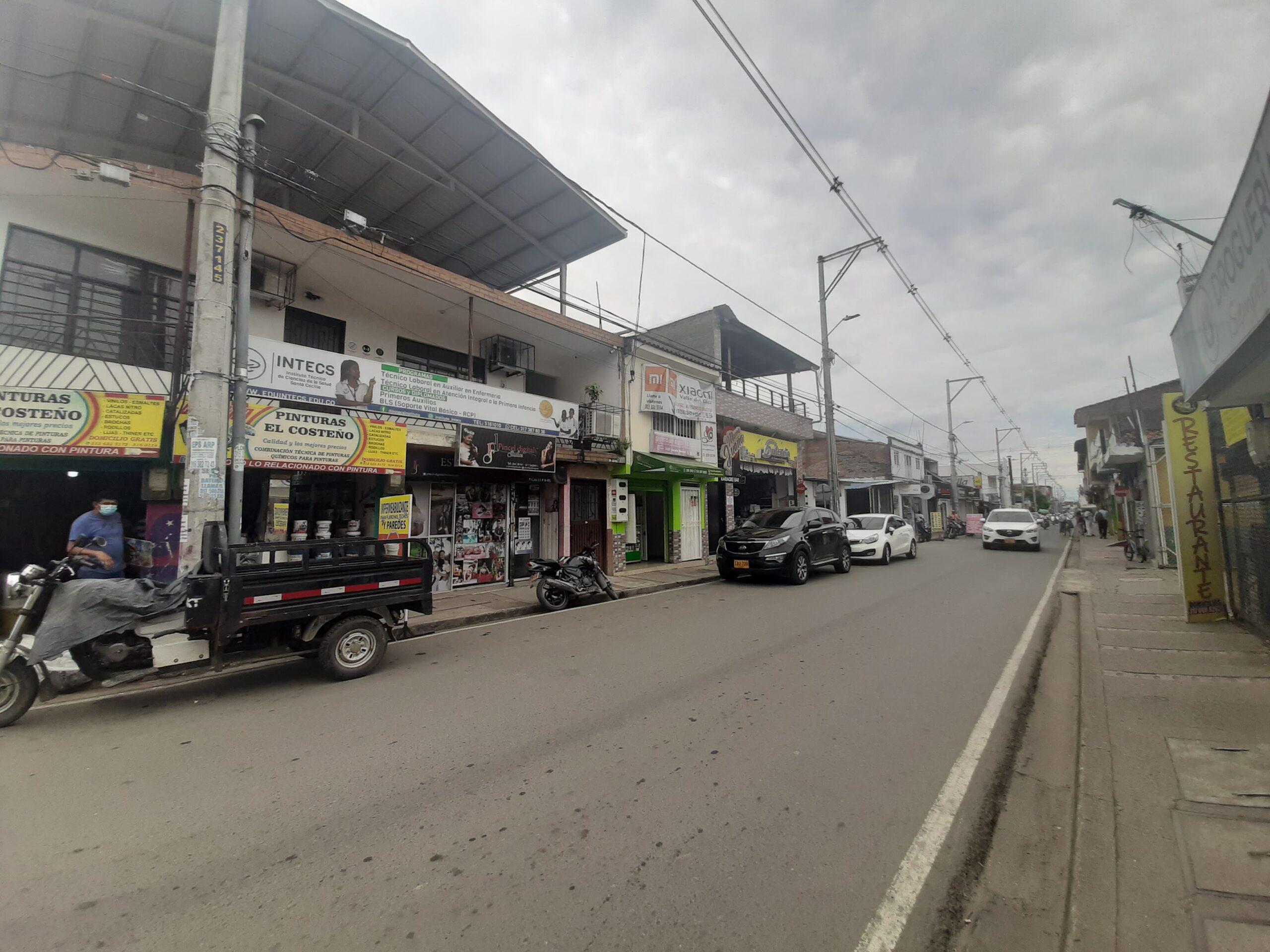 Propiedad comercial en Jamundi central sobre via principal